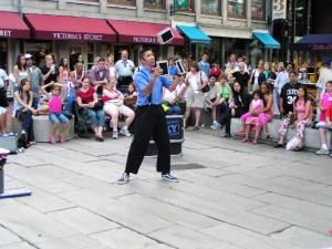 street juggler