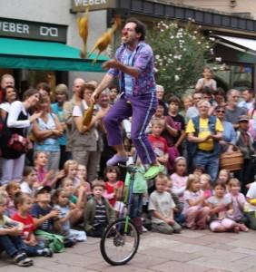 street performer - juggler